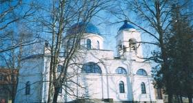 Церковь на городской площади